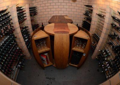 Bar de cave personnalisé avec tonneau armoire (ouvert)