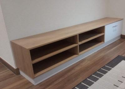 Petit meuble en bois